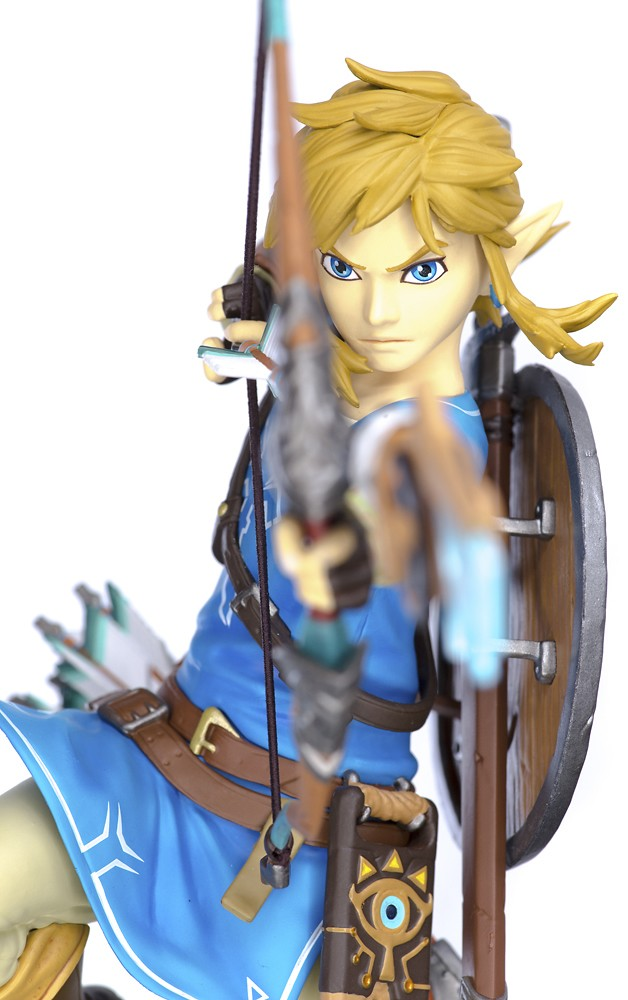 Front View of First 4 Figures Zelda Link 10 Inch Statue