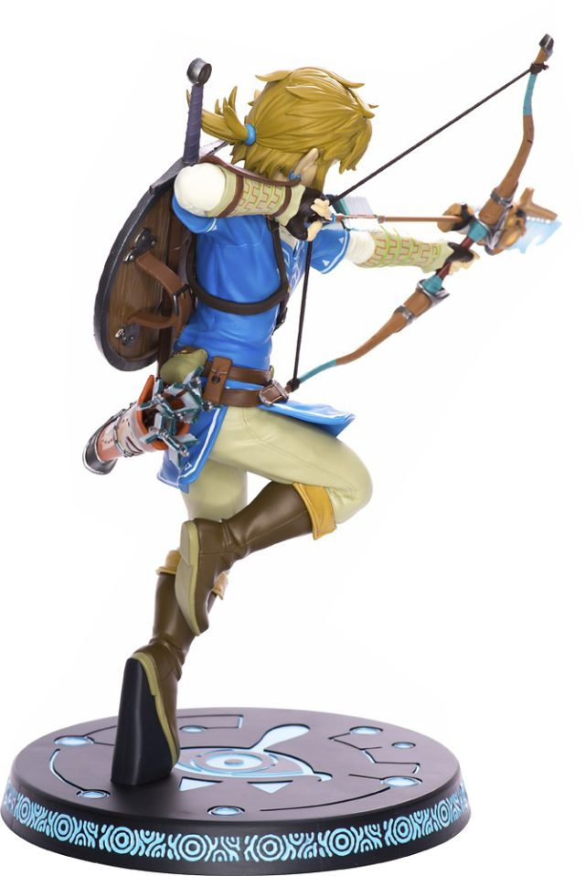 Side View of F4F Zelda Breath of the Wild Link Statue