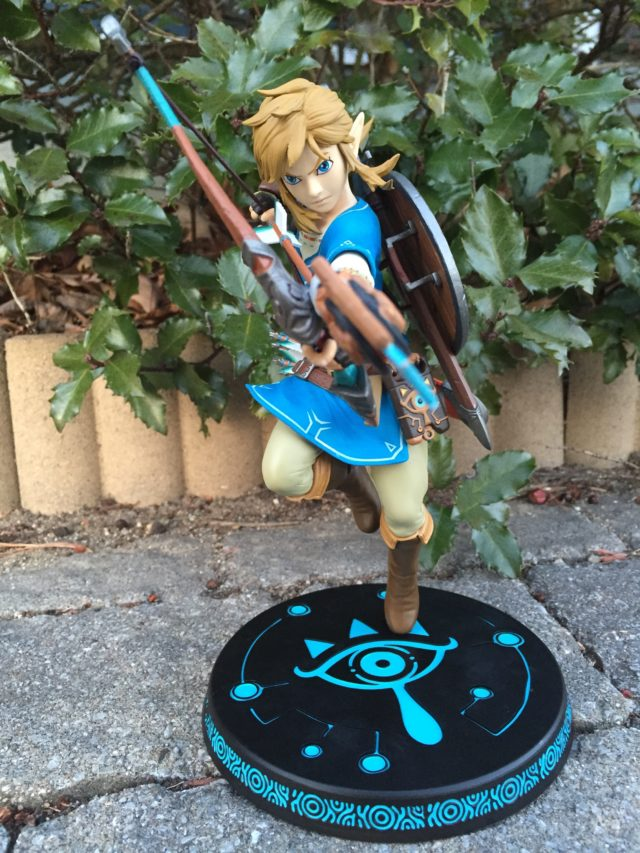 First 4 Figures Zelda Statues Link Breath of the Wild Front View