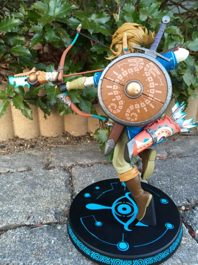 Back of Legend of Zelda BOTW Link Statue by First 4 Figures