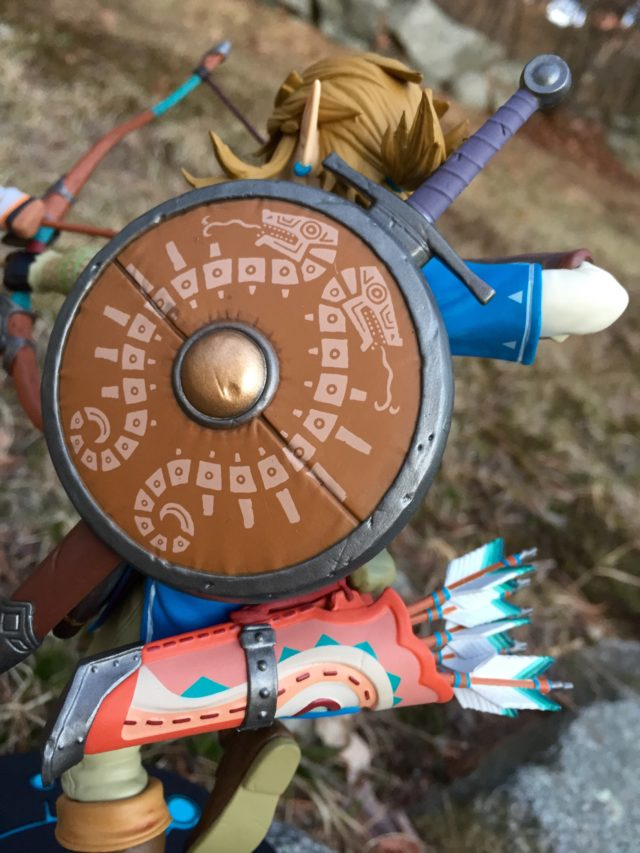 Detail on Shield and Quiver of F4F Breath of the Wild Link Statue