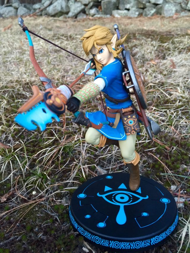Front View of Link First 4 Figures Breath of the Wild Zelda Statue