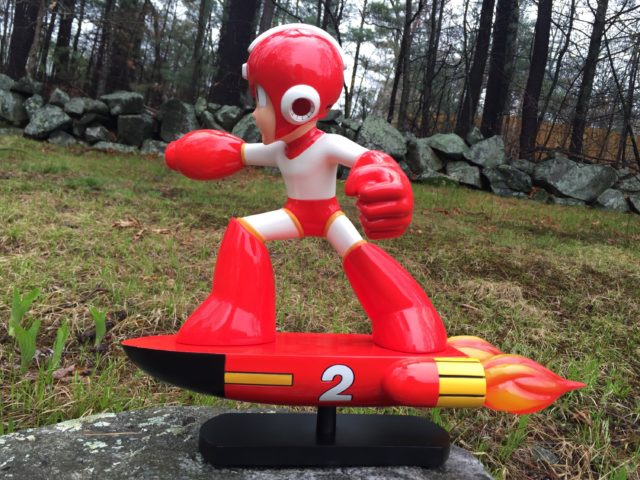 Review F4F Item 2 Mega Man Statue