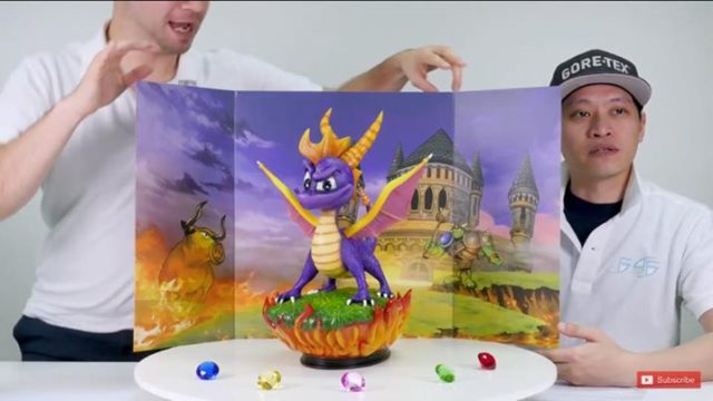 First4Figures Spyro Exclusive Statue with Gems and Backdrop