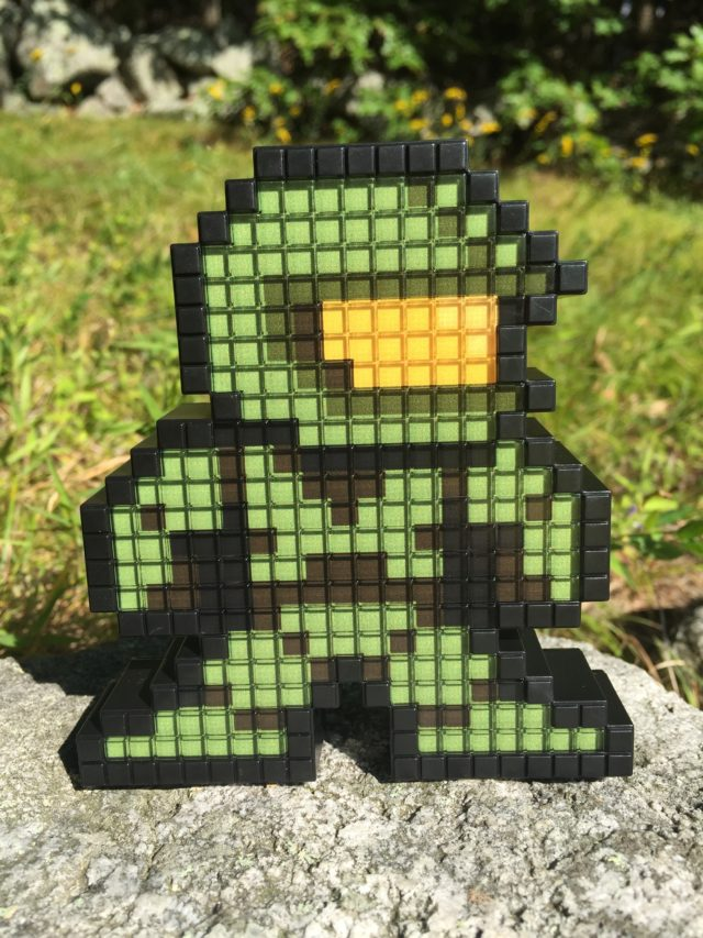 Master Chief Pixel Pals Halo Light-Up Figure Review