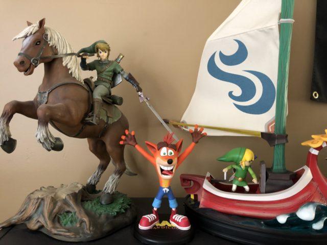 Scale Comparison Photo Exclusive Crash Bandicoot Statue with Zelda Link on Epona