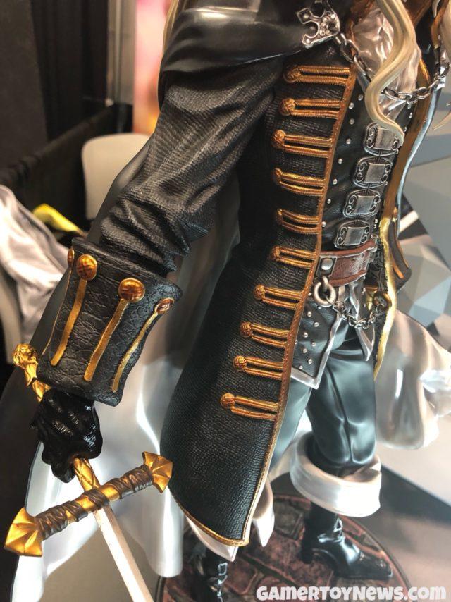 F4F NYCC 2017 Alucard Sword and Coat