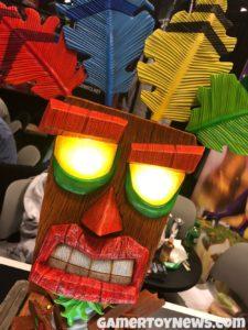 F4F Aku Aku Mask at NYCC 2017