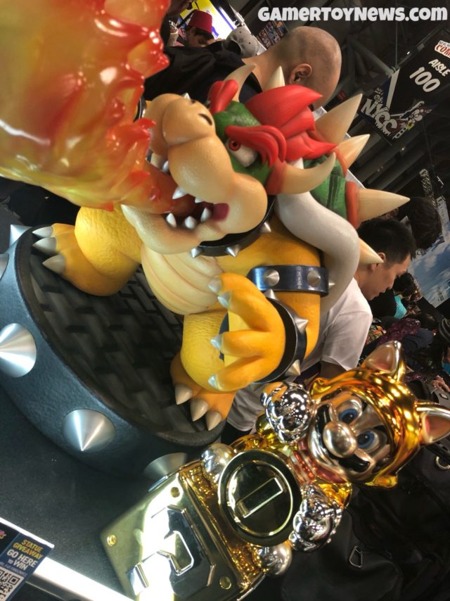F4F Lucky Cat Mario Bowser Statues 2017 NYCC Size Comparison