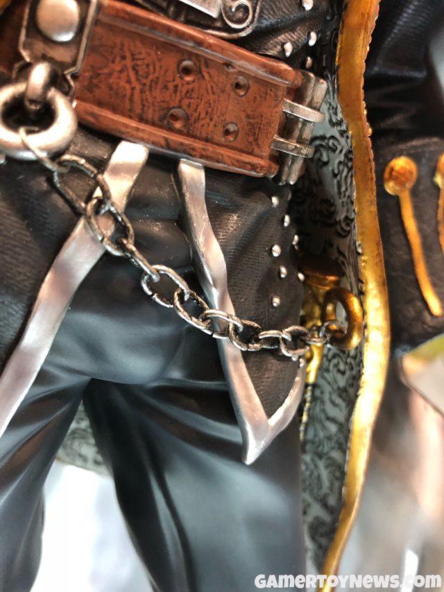 Chain on Alucard Statue F4F NYCC