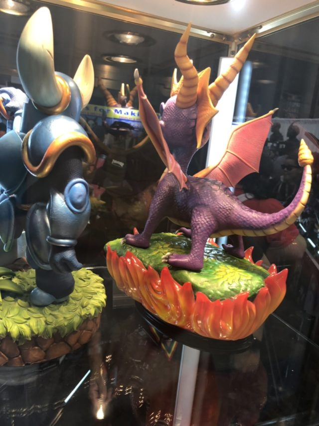 NYCC 2017 Spyro the Dragon and Shovel knight Statues
