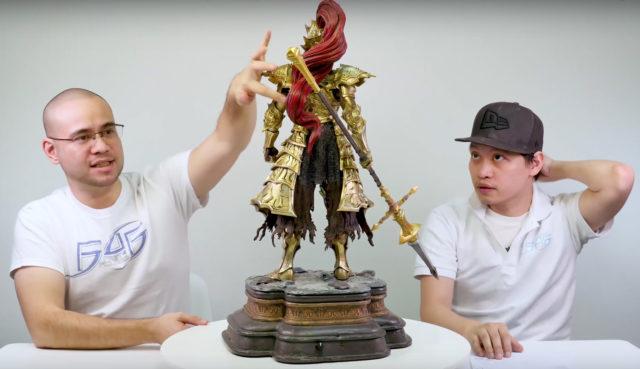 Back of Dark Souls Ornstein First4Figures Statue